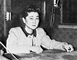 Iva_Toguri_before_NHK_microphone